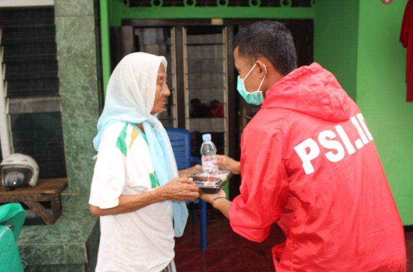 PSI Jember Bagikan Ratusan Paket Makanan