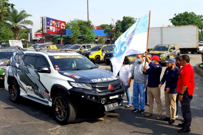 Sadikin Aksa Melepas Rombongan Touring Klub Pajero One Ke Bali