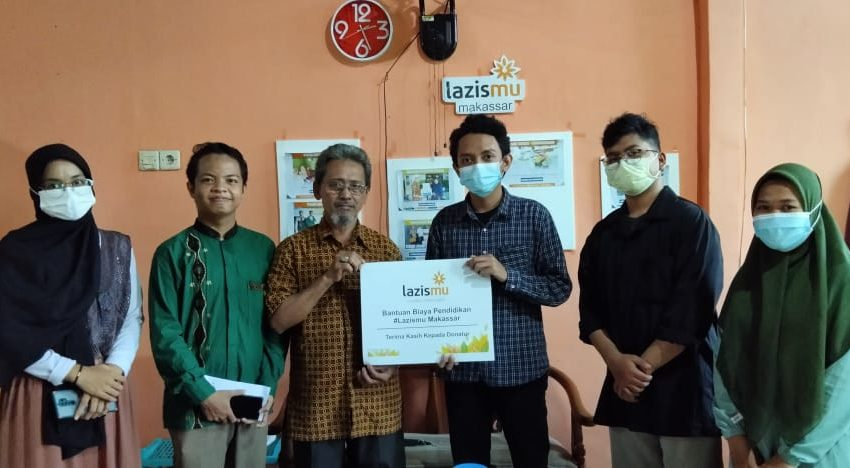 Lazismu Makassar Salurkan Beasiswa Sang Surya Ke Kader Muda Muhammadiyah